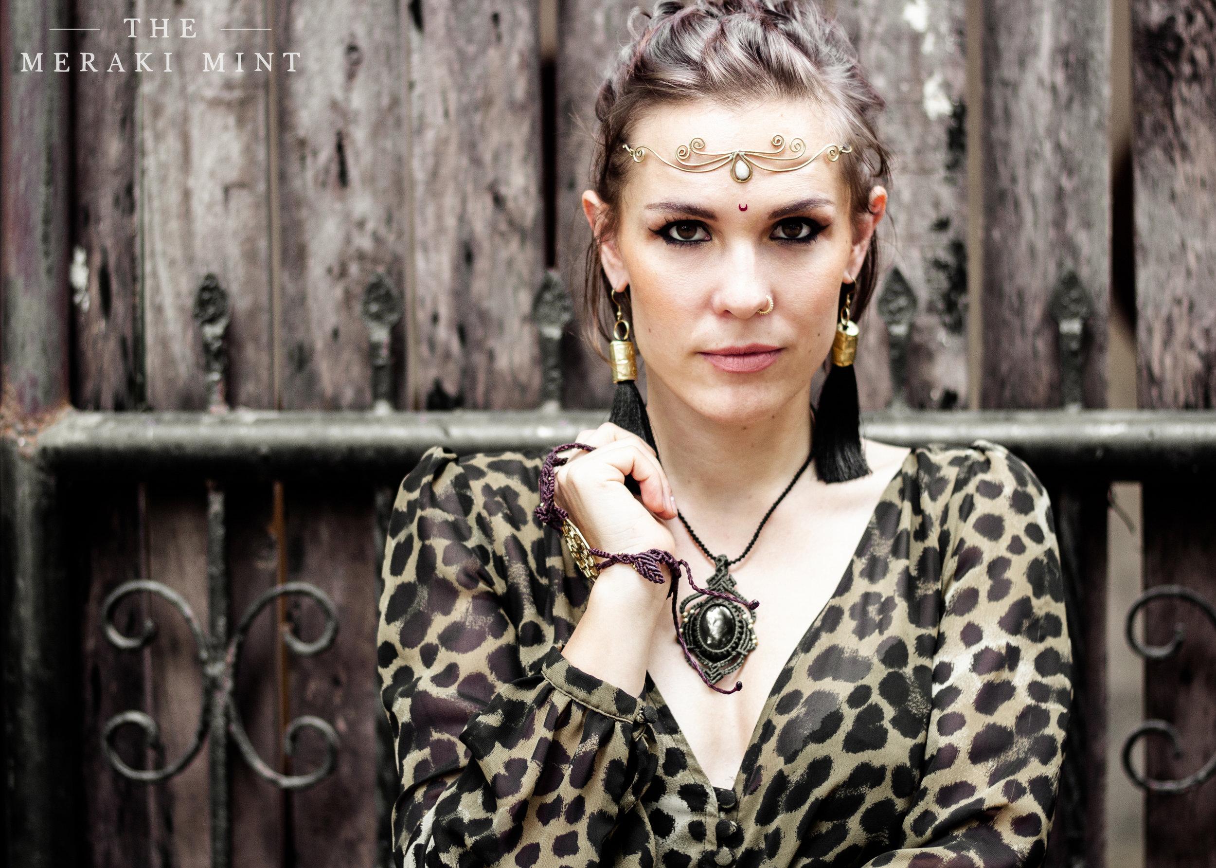 The-Meraki-Mint-Main-Page-Woman-Macrame-Jewelry-Fence.jpg