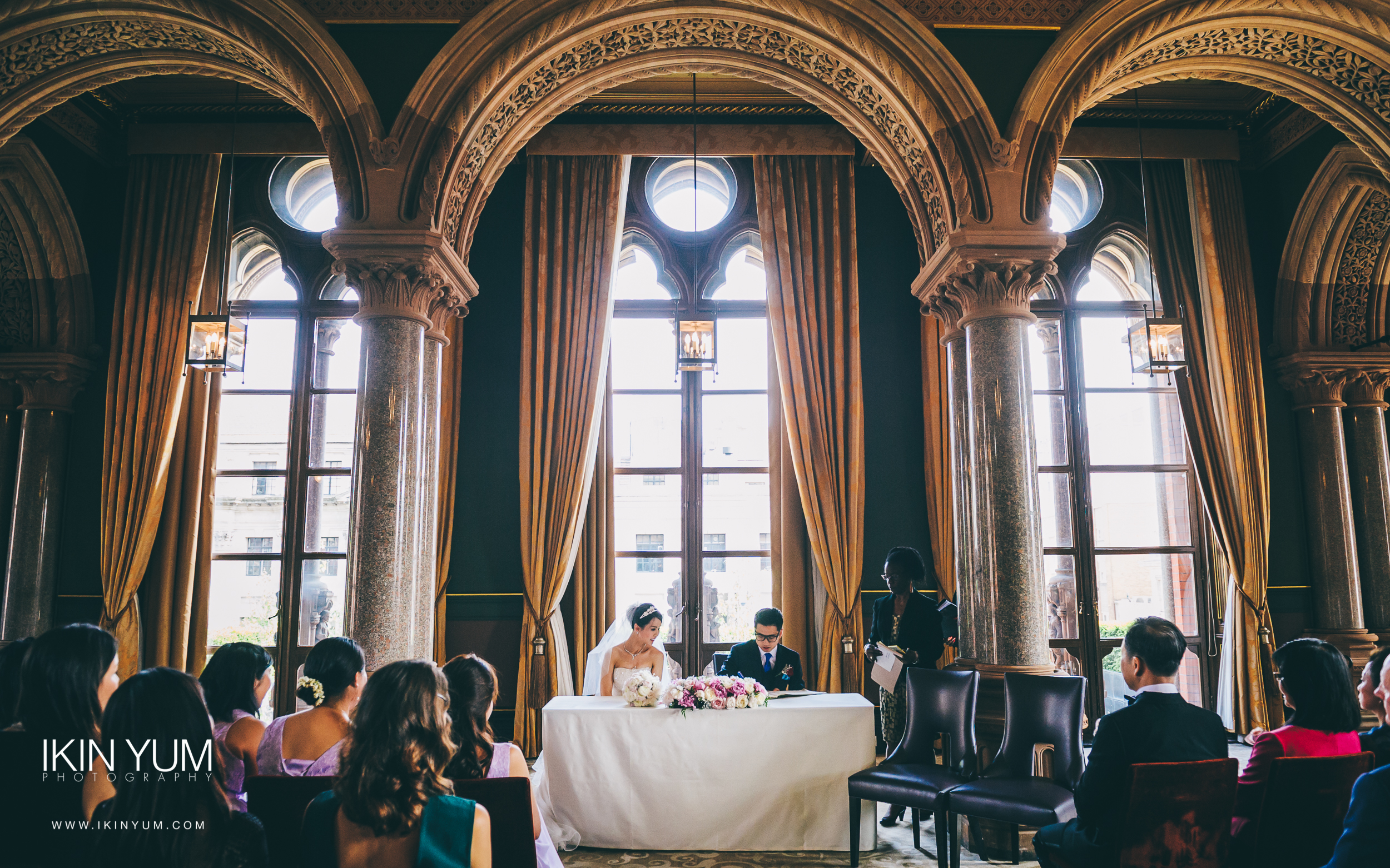 St Pancras Renaissance Hotel - Wedding - Ikin Yum Photography-103.jpg