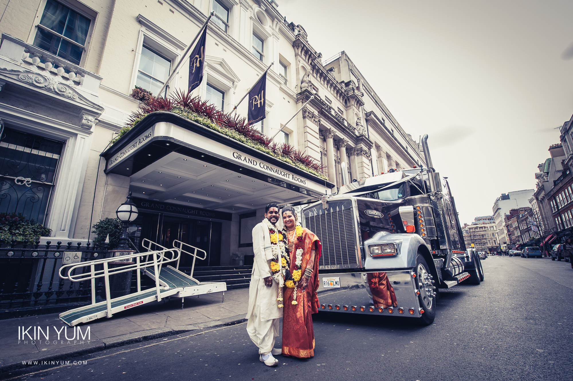 Grand Connaught Rooms Wedding - Asian Wedding Photographer