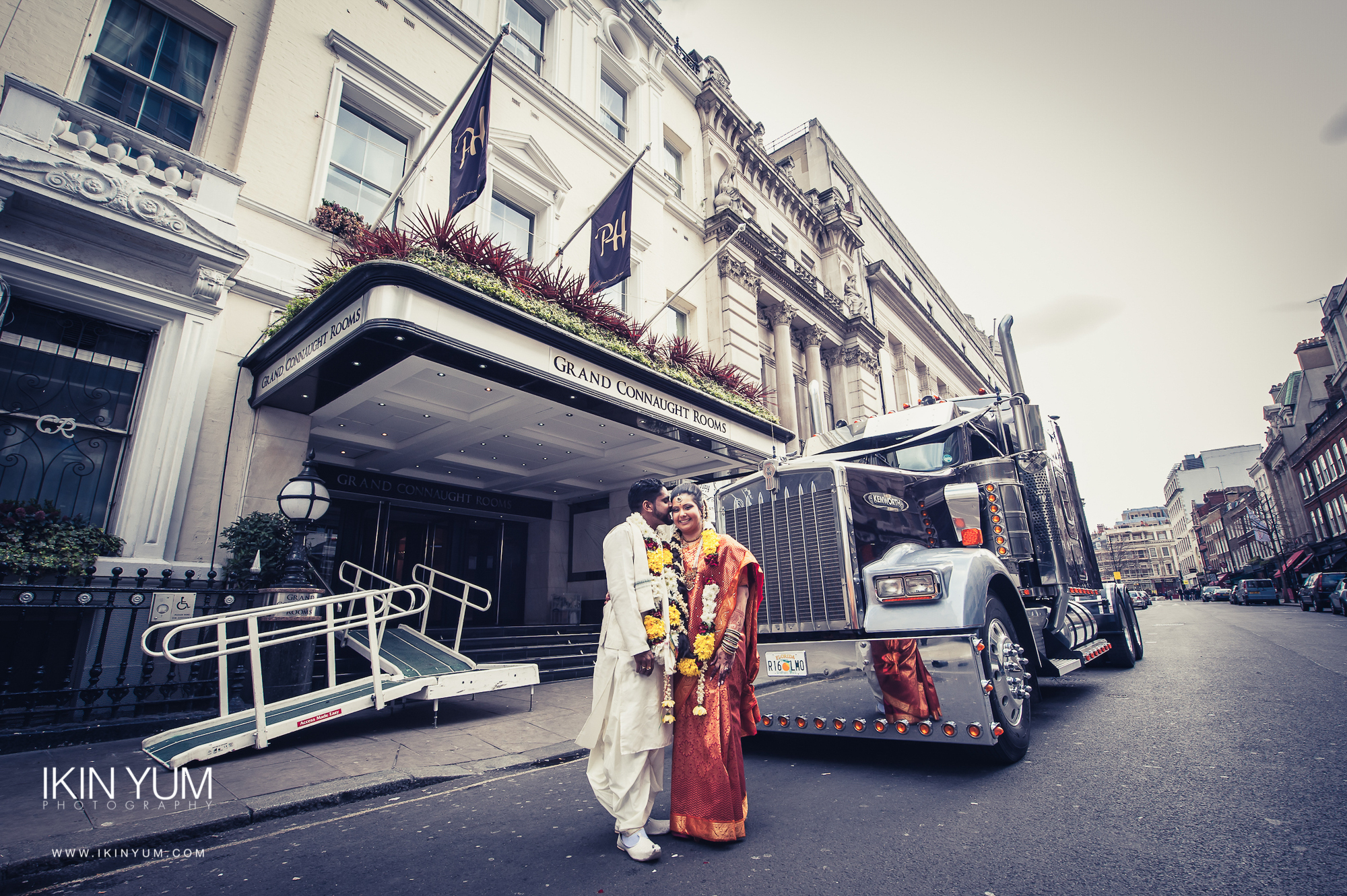 Grand Connaught Rooms Wedding - Minal & Raj - Ikin Yum Photography-078.jpg