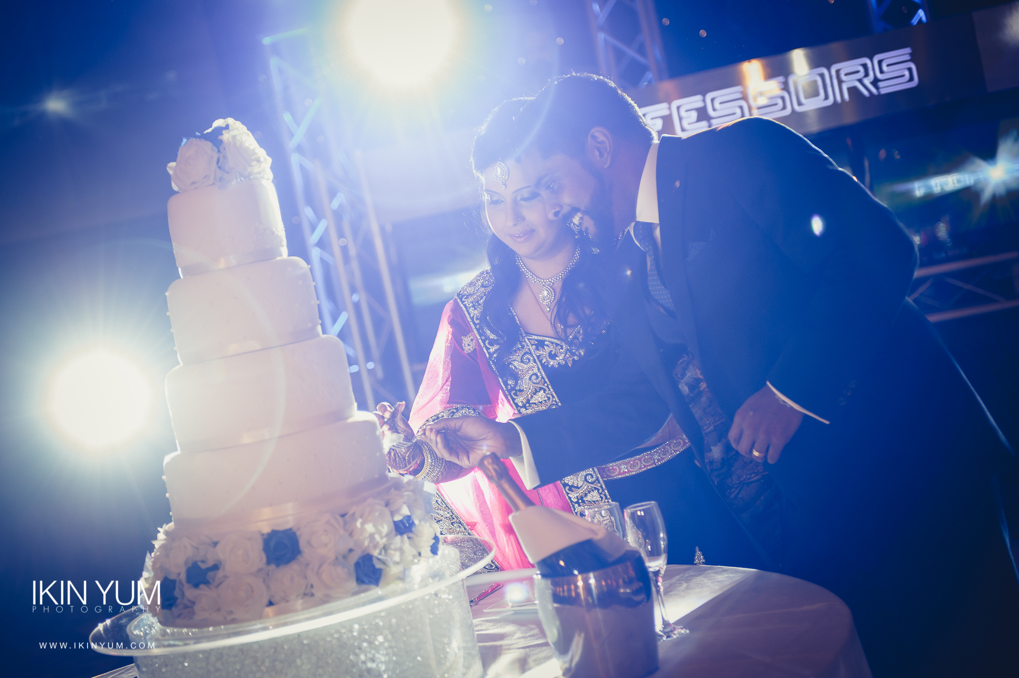 Grand Connaught Rooms Wedding - Minal & Raj - Ikin Yum Photography-113.jpg