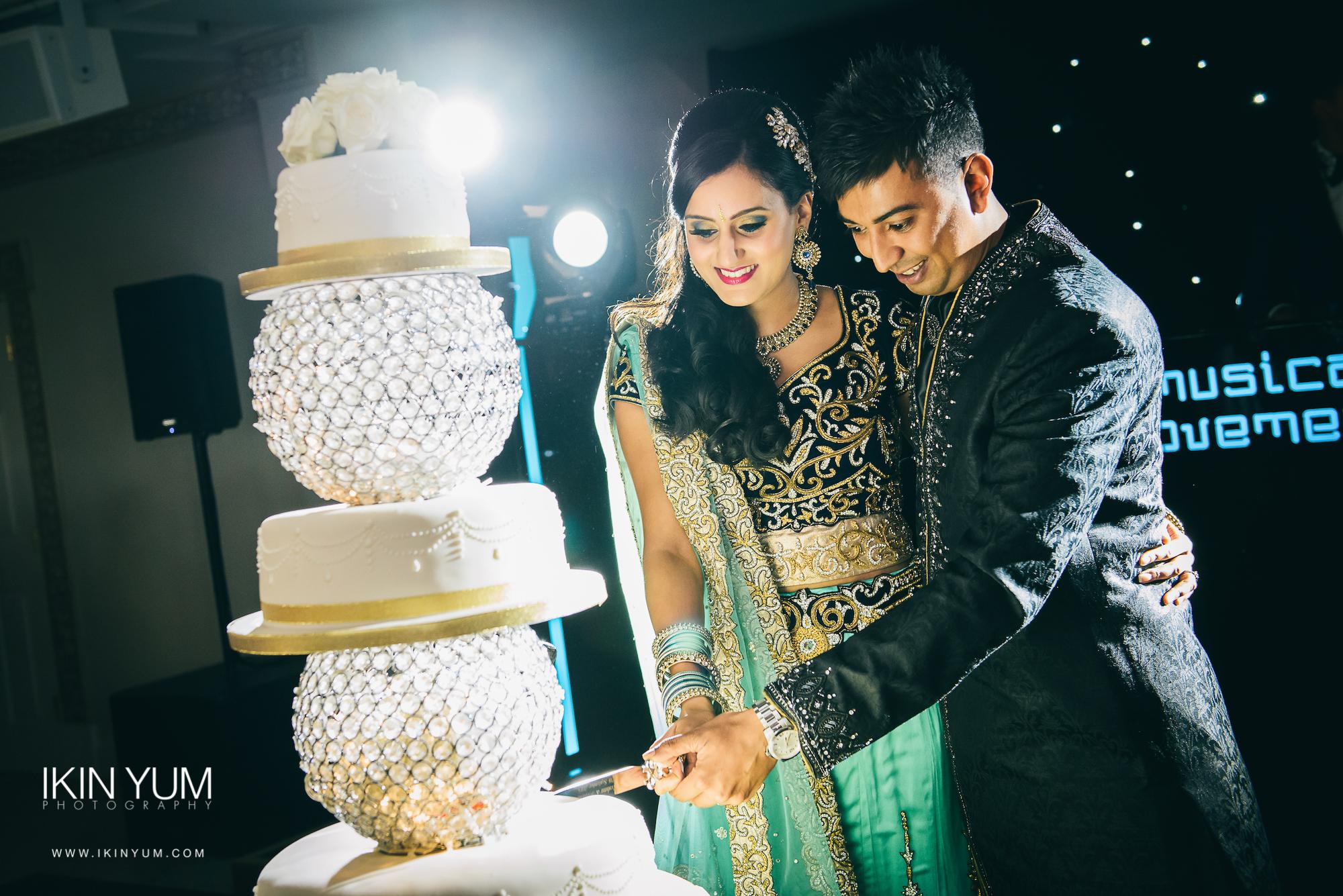 Froyle Park Indian Wedding - Ikin Yum Photography-130.jpg