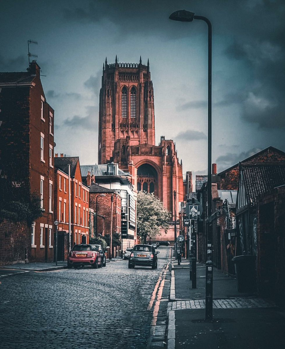 Fantastic image by @LensLiverpool - You need to follow them on Instagram and Twitter