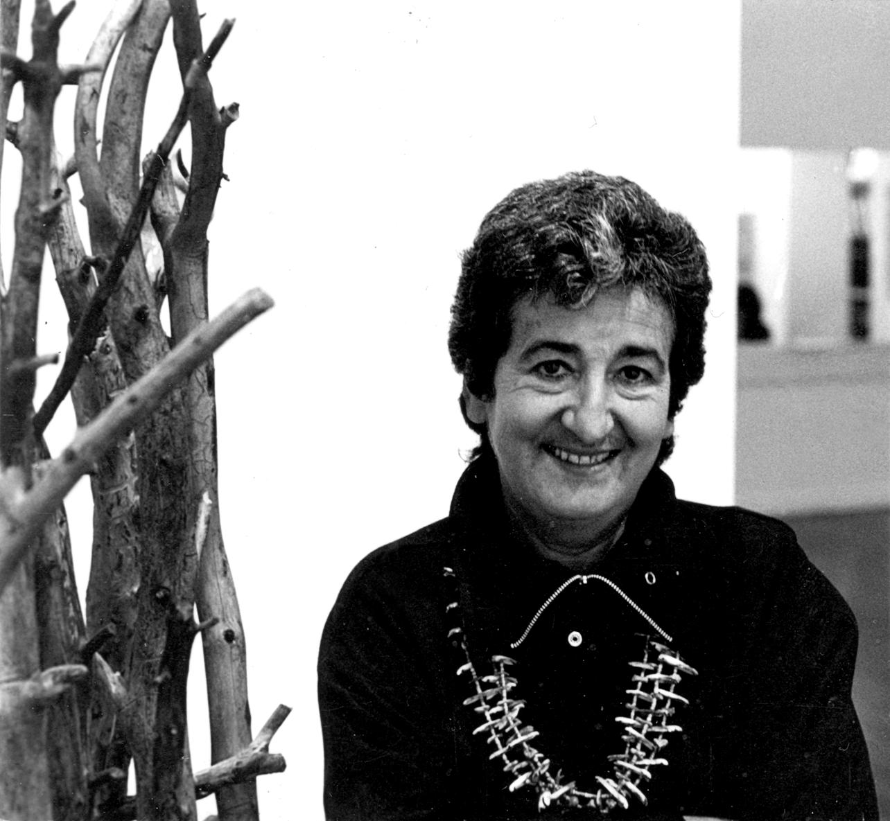 Ruth Braunstein photographed at Braunstein Quay Gallery c. 1980