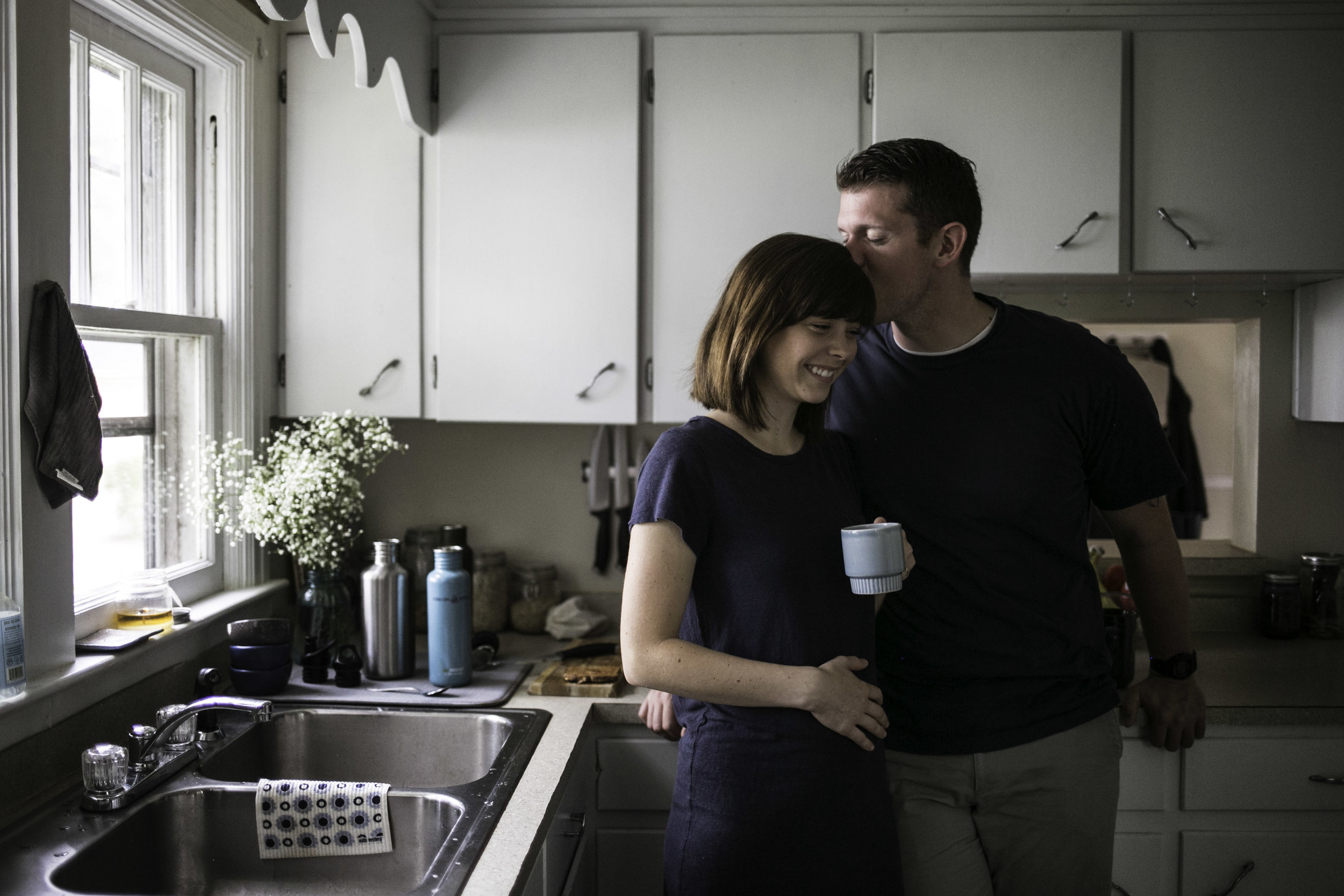 Kitchen, engagement, maternity, in-home, lifestyle