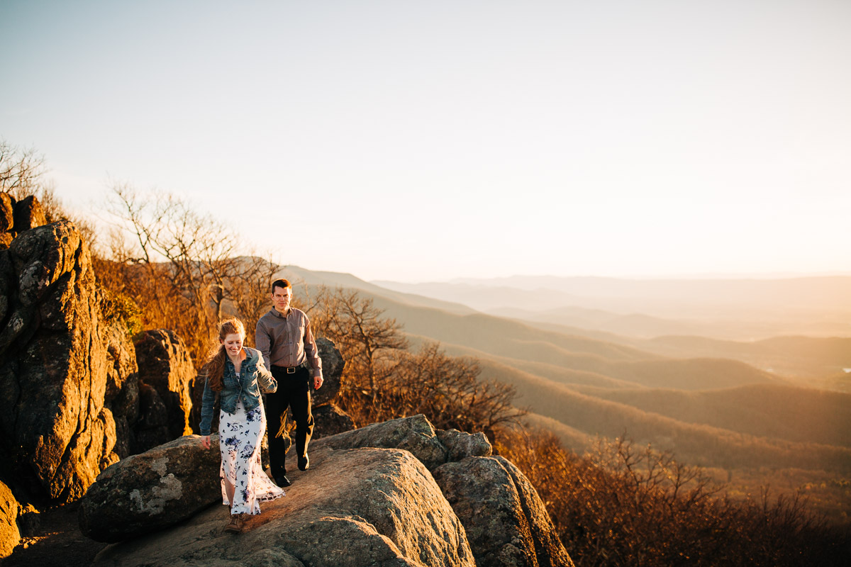 Shenandoah-National-Park-Engagement-Photography-5.jpg
