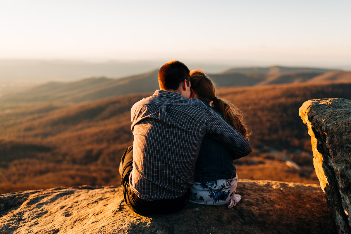Shenandoah-National-Park-Engagement-Photography-9.jpg