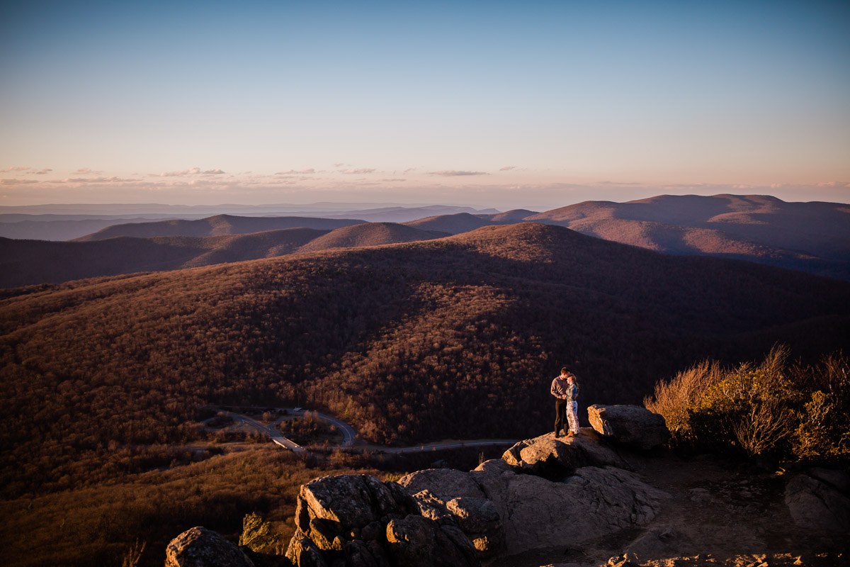 Shenandoah-National-Park-Engagement-Photography-14.jpg