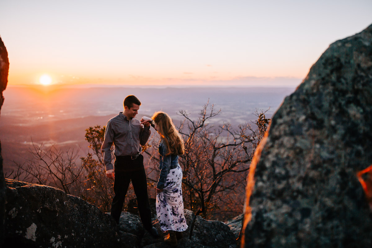 Shenandoah-National-Park-Engagement-Photography-33.jpg