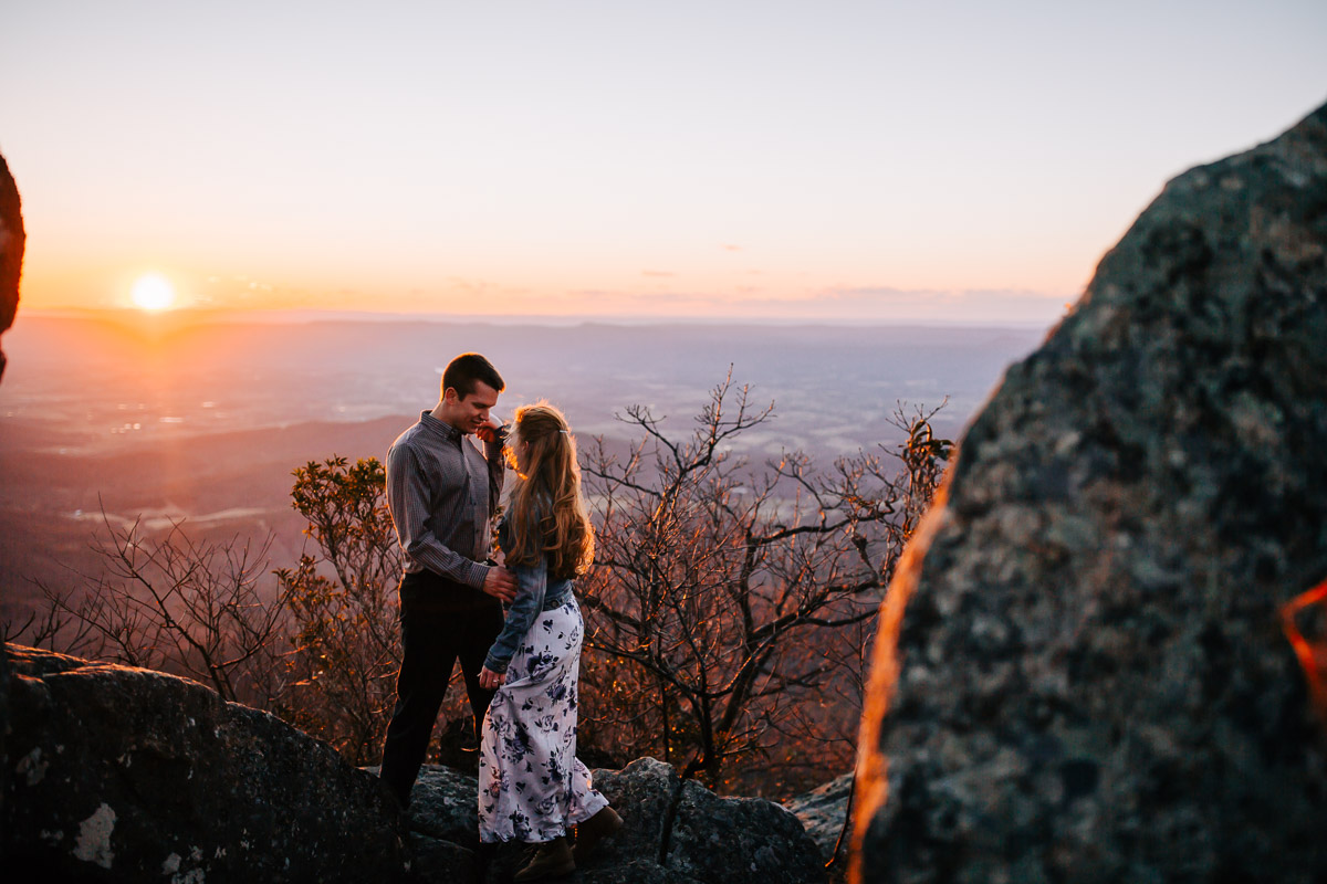 Shenandoah-National-Park-Engagement-Photography-34.jpg