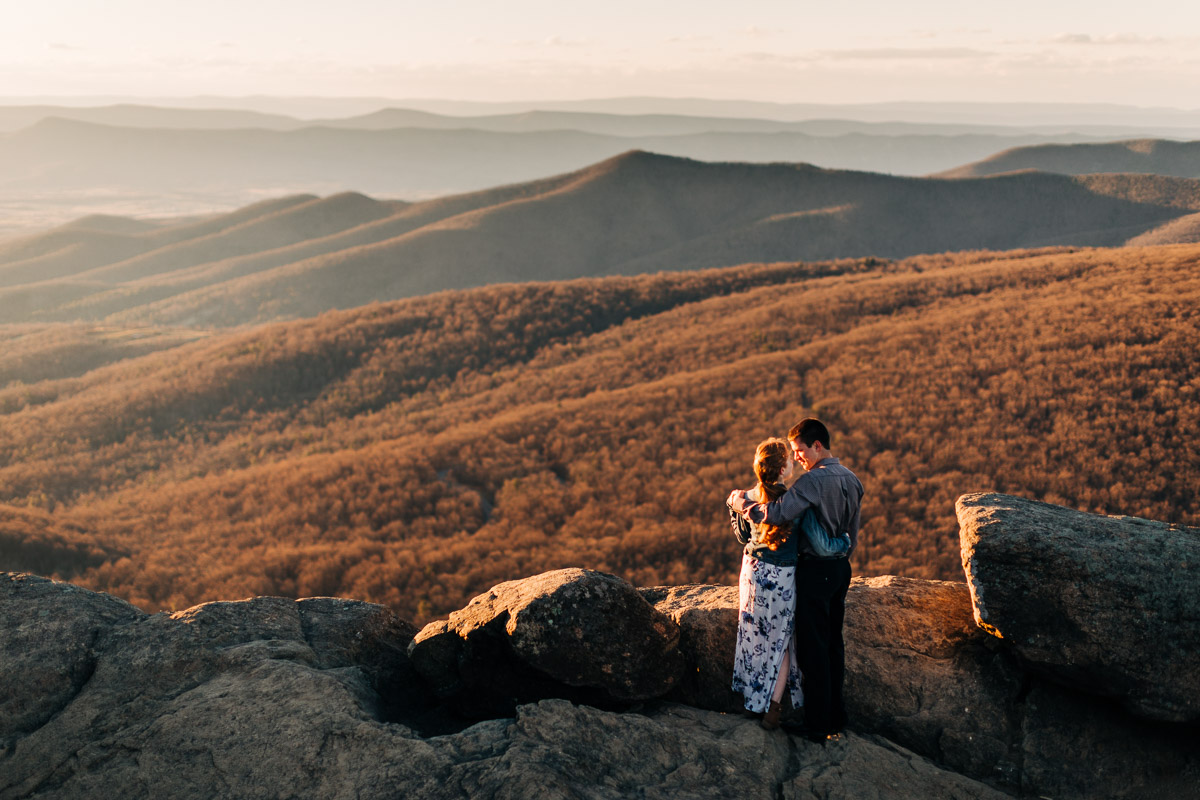Shenandoah-National-Park-Engagement-Photography-3.jpg