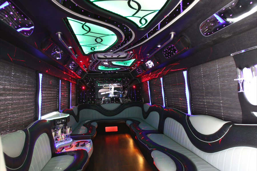 A Stars Limo Bus located in Palos Heights, IL
