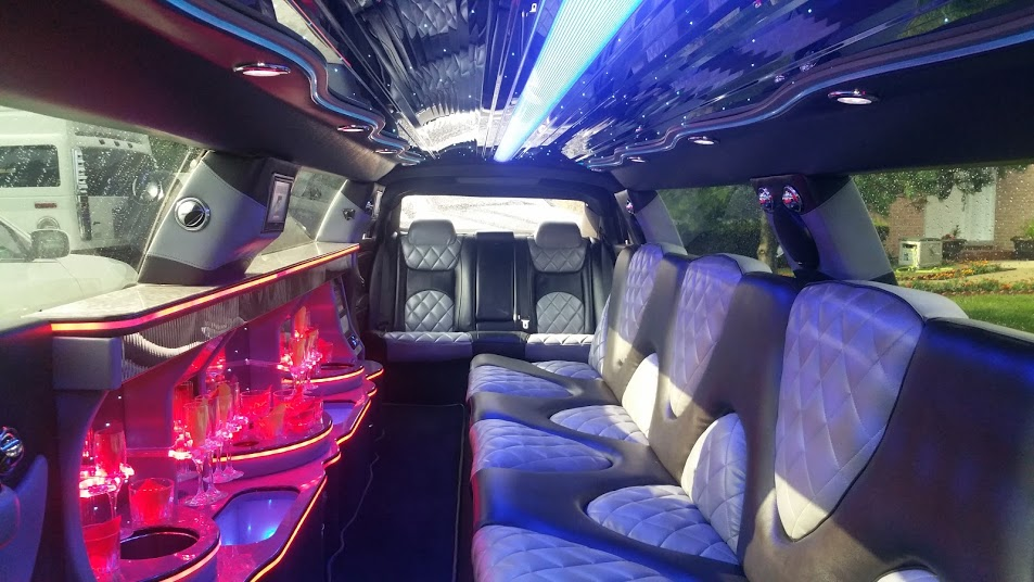A Stars Chrysler 300 | Palos Heights Limo Service | Chicagoland Limo Service