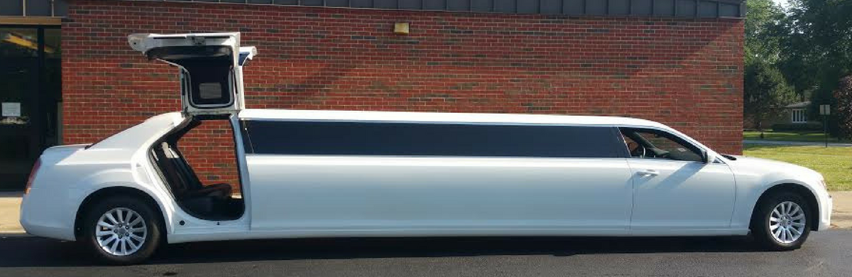 A Stars Limo Chrysler 300C Double Butterfly