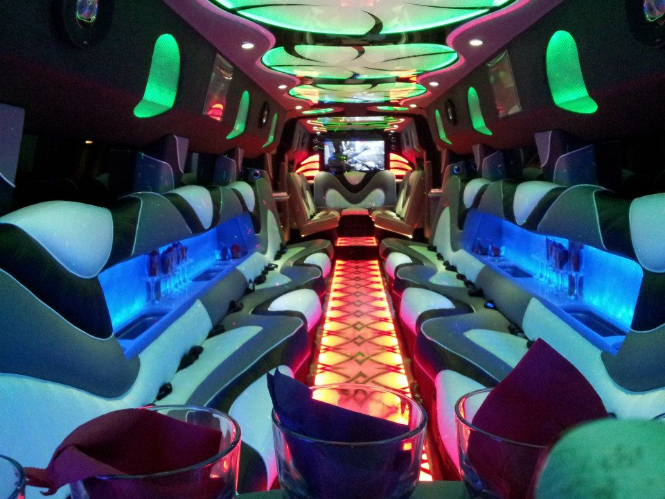 A Stars Limo | Hummer Rides in Palos Heights | Hummer Rides Palos Heights 5.jpg