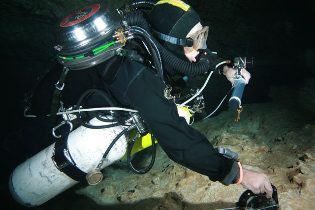 First dives on the unit- at JB, in the lower cavern. Hands up, heads up display.