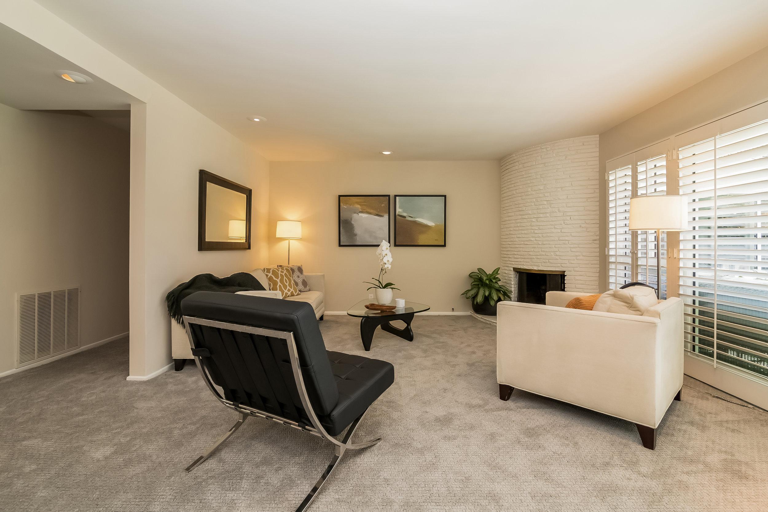 012-Living_Room-2805337-large copy.jpg
