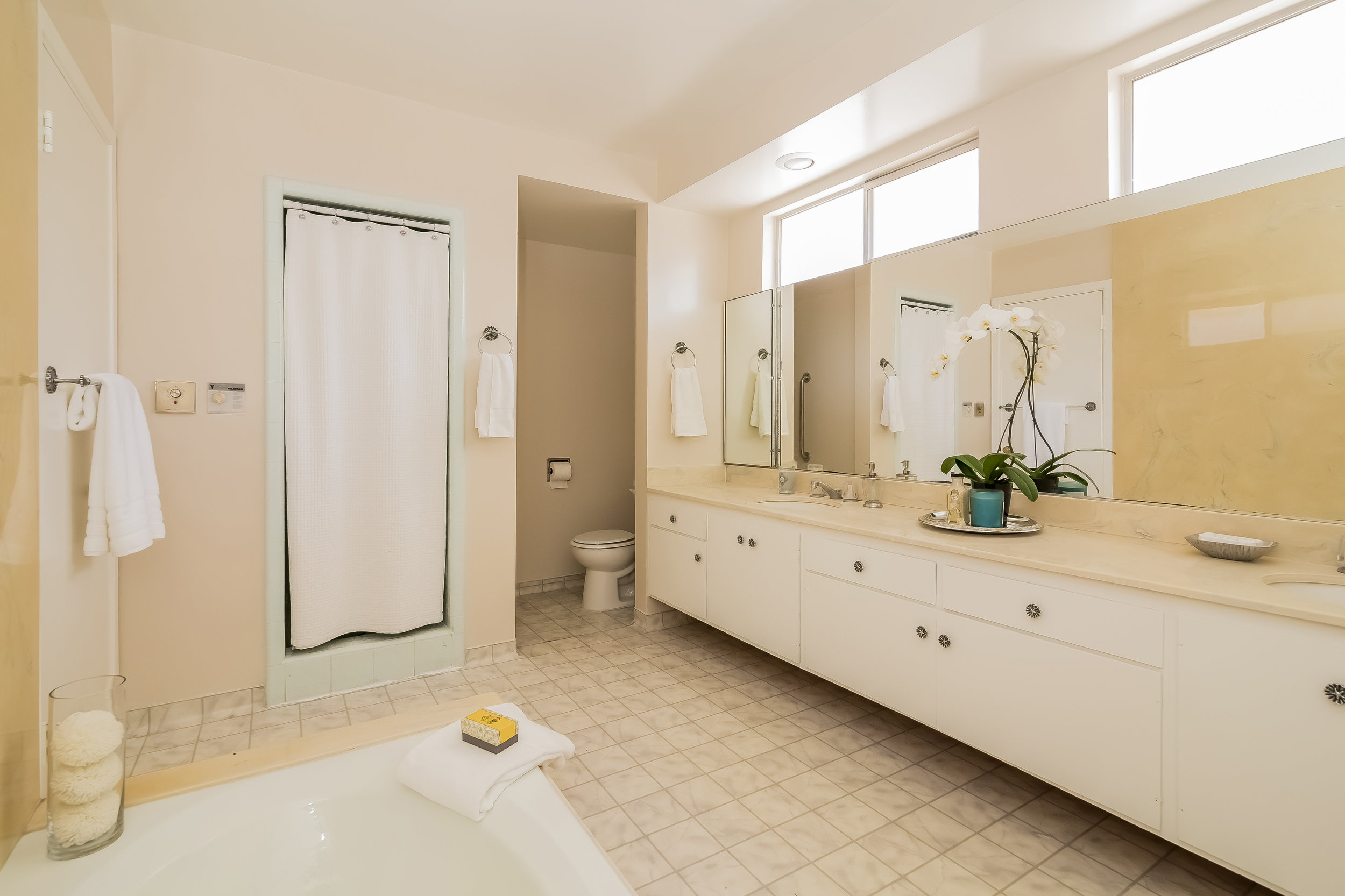 028-Master_Bathroom-2805391-large copy.jpg