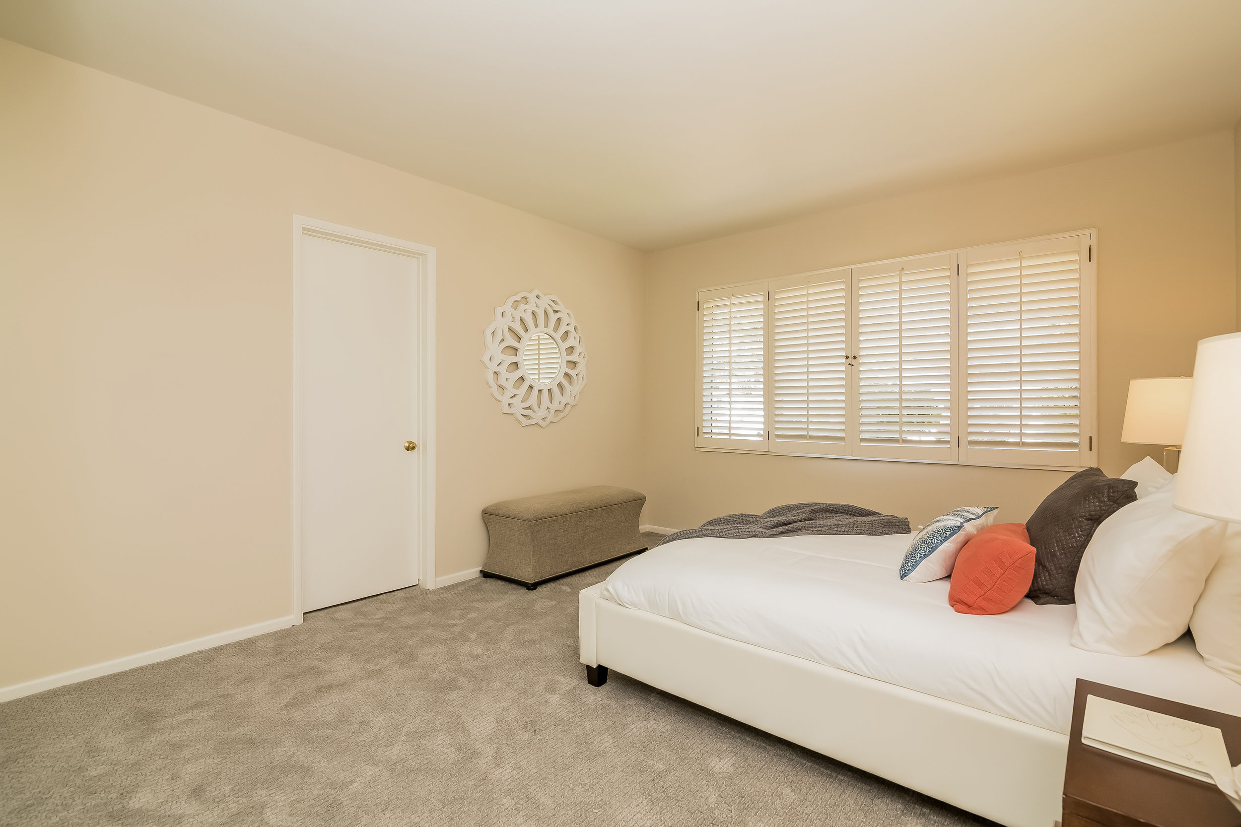 036-Bedroom-2805373-large copy.jpg