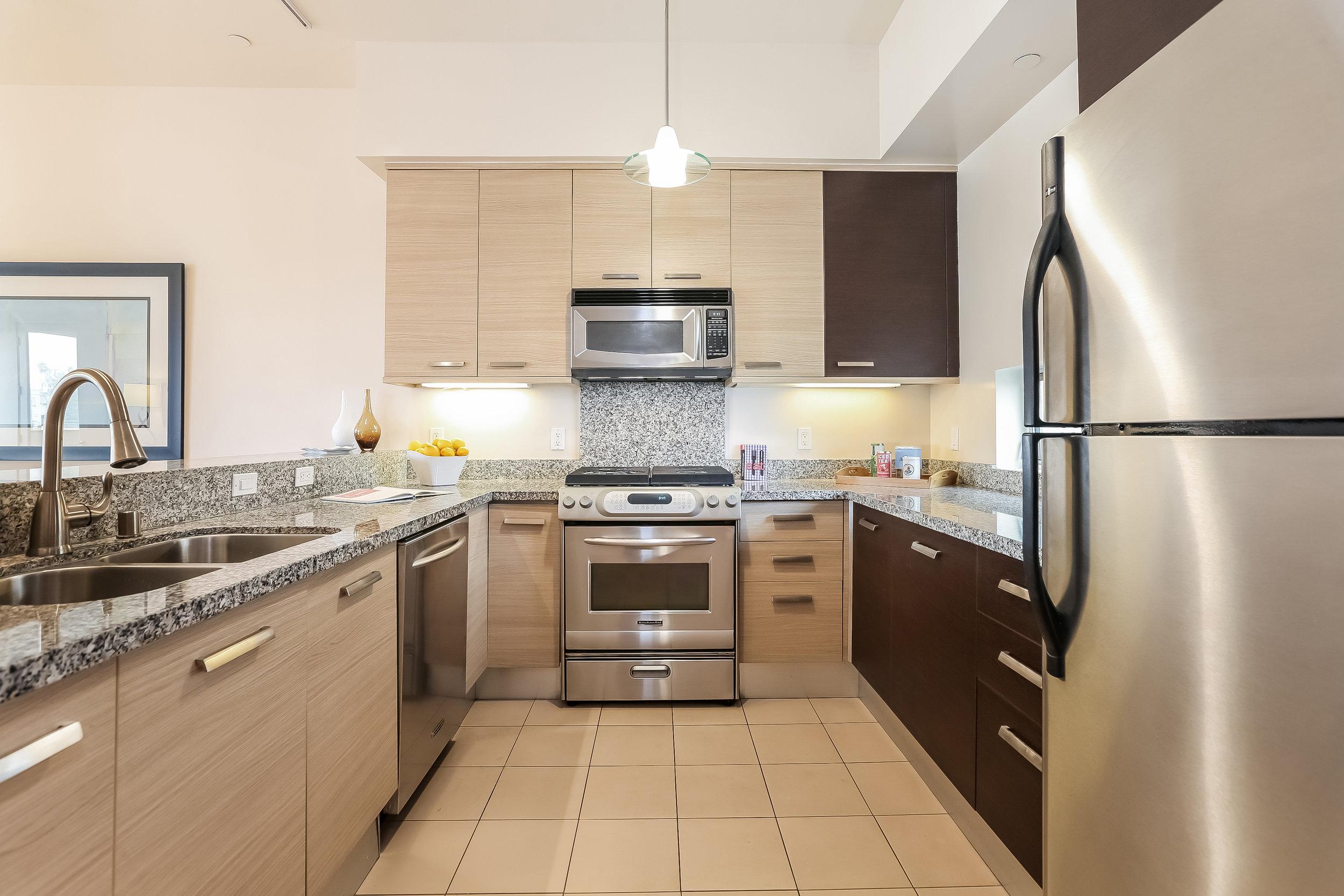 013-photo-kitchen-6209674 copy.jpg