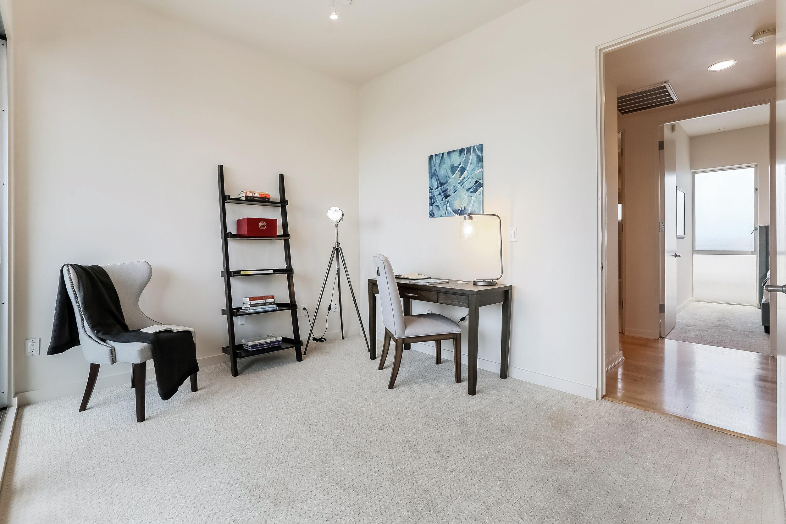 018-photo-master-bedroom-6209680 copy.jpg