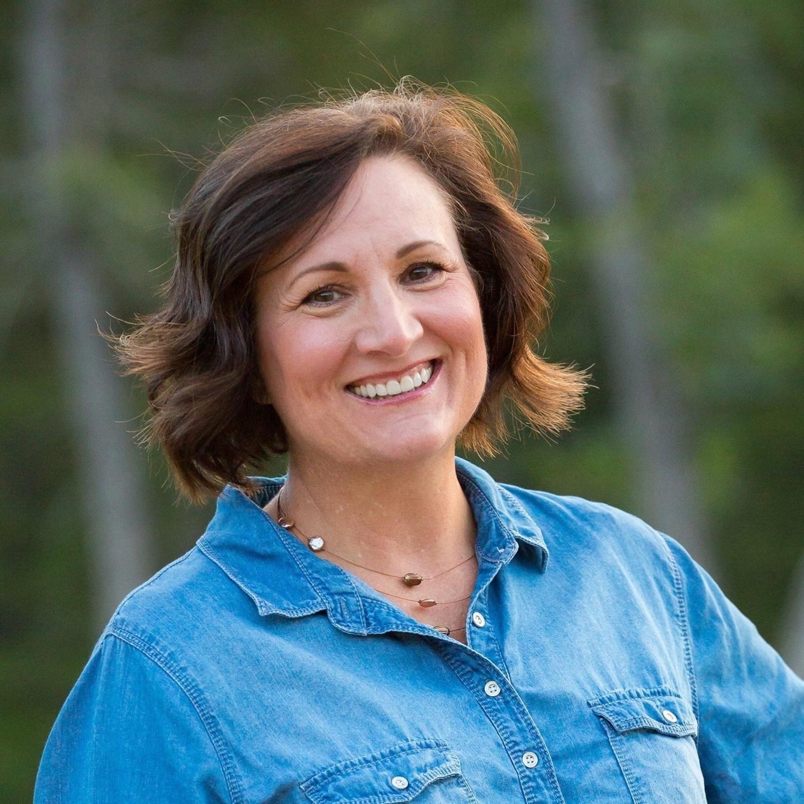 Susan Larsen Headshot.jpg