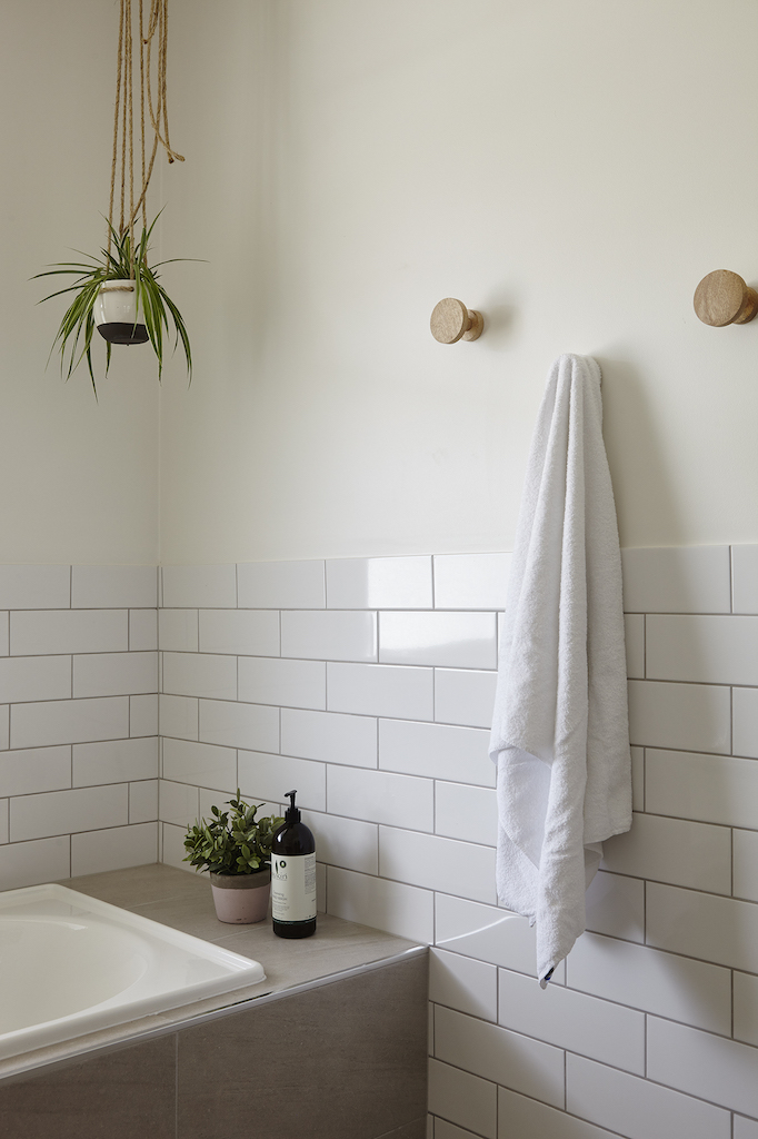 LH_bathroom_3.jpg