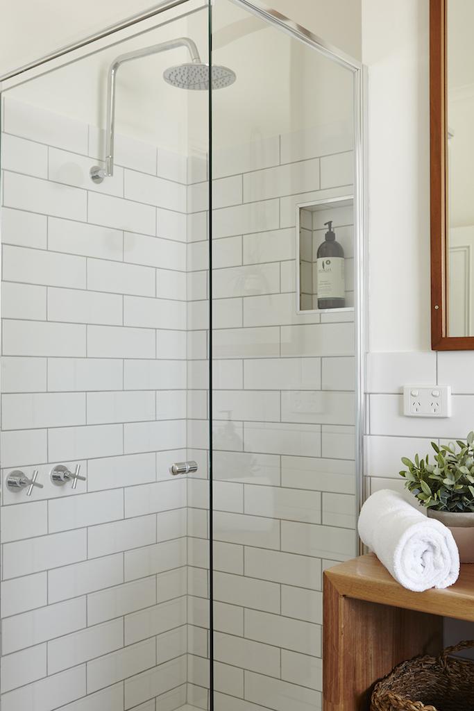 LH_bathroom_4.jpg