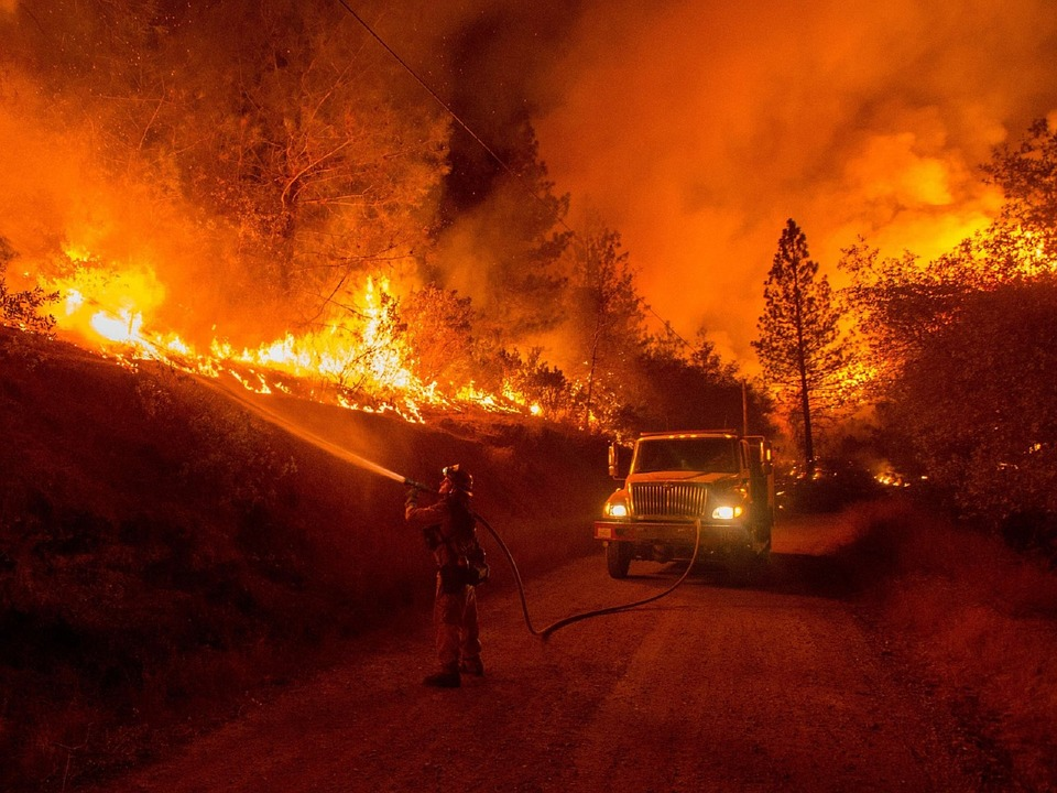wildfire-1100473_960_720.jpg