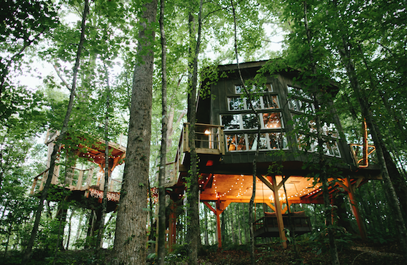 THE MAJESTIC TREEHOUSE - Featured in Architectural Digest & Condé Nast.Regal | Romantic | AdventurousThe #I Airbnb in South Carolina!WALHALLA, SC