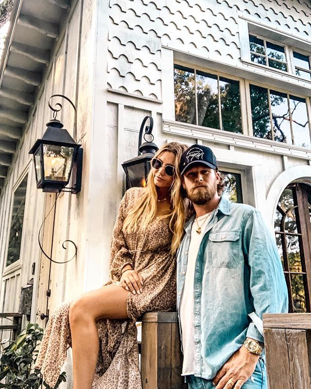 BIG GIVEAWAY 🎉 Our friends @briankelley & @brittneykelley (of @floridageorgialine & @tribekelley) are treating one deserving couple to a magical weekend at @boltfarmtreehouse and YOU get to nominate the winner!  Who do you know that deserves a technology-free weekend to reset, recharge and reconnect? And why do they need/deserve it?💕 One winner will receive: ✨3 nights at #TheHoneymoonTreehouse in Charleston, SC ✨Photography session during your stay with @logansimmonsphotography  To enter: 1. Follow: @boltfarmtreehouse, @briankelley, & @brittneykelley  2. Tell us who deserves to win this unforgettable treehouse experience & share why in the comments on all three profiles above.  3. Screenshot this post & share it in your story + tag the person you want to nominate along with @boltfarmtreehouse @brittneykelley & @briankelley so we can see it!