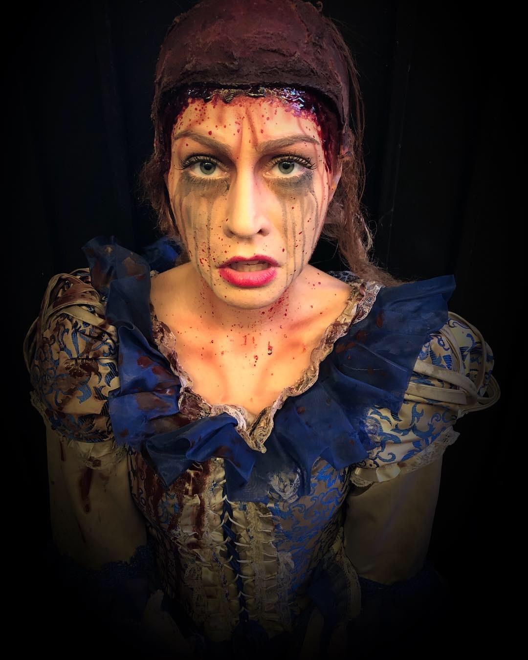 Character: Rapunzel  Event: Halloween Horror Nights 28