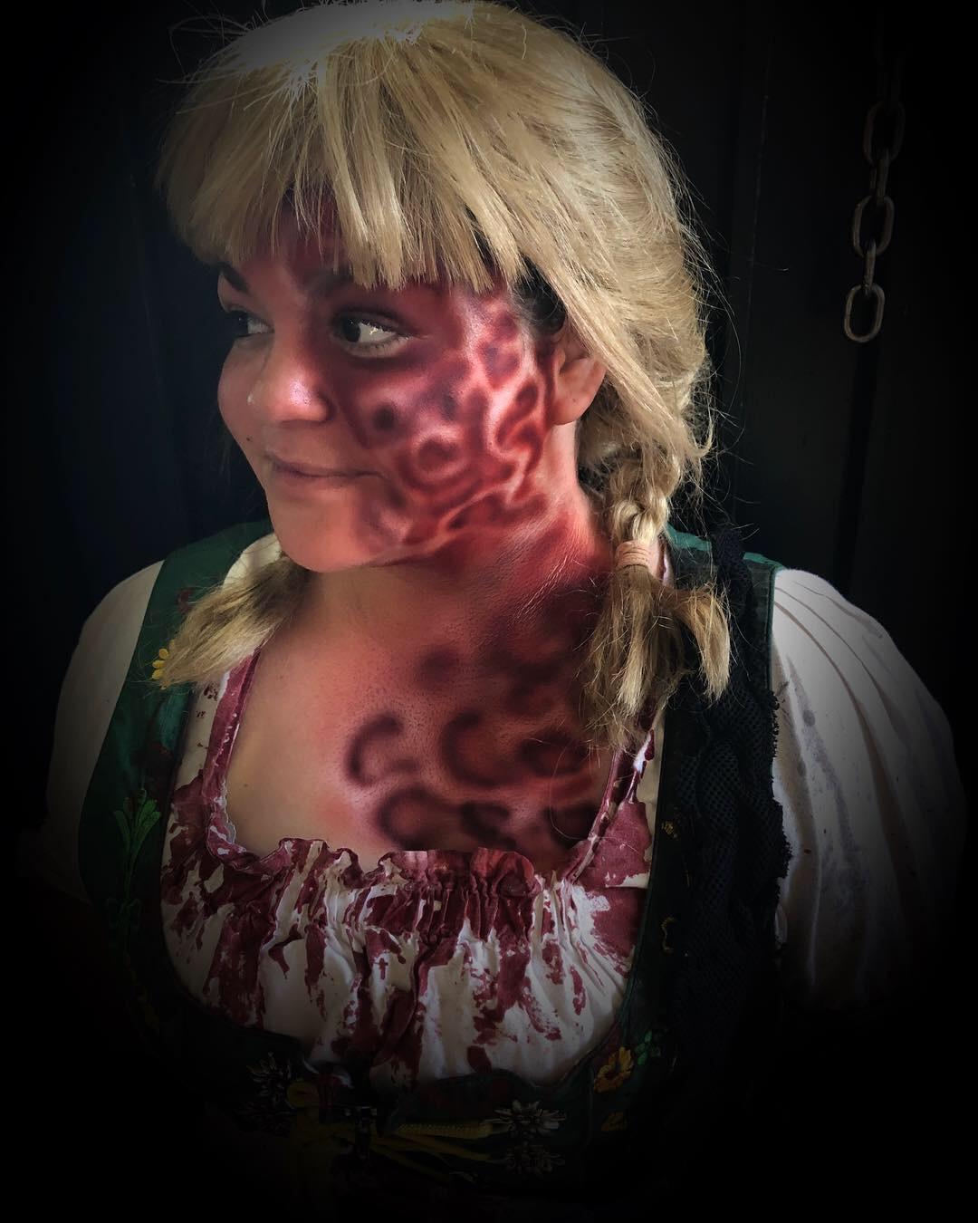 Character: Gretel  Event: Halloween Horror Nights 28