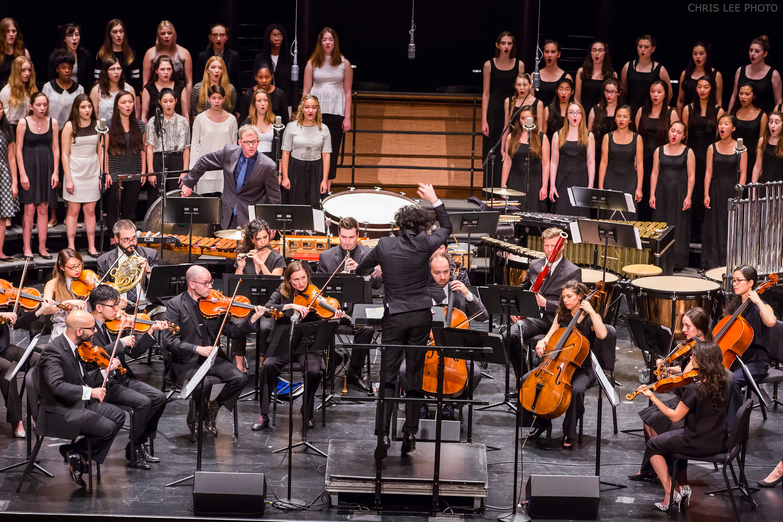 SF Girls Chorus in concert with The Knights and Brooklyn Youth Chorus at the NY Phil 2016 Biennial Festival. Photograph courtesy New York Philharmonic, Chris Lee Photographer.