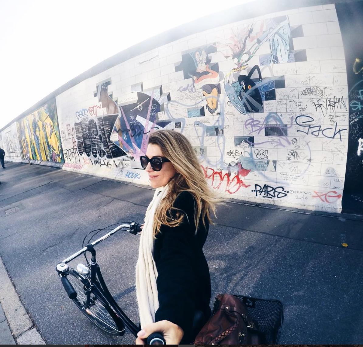 Berlim é uma cidade para usar a bicicleta, totalmente plana e com ciclovias para todos os lados.