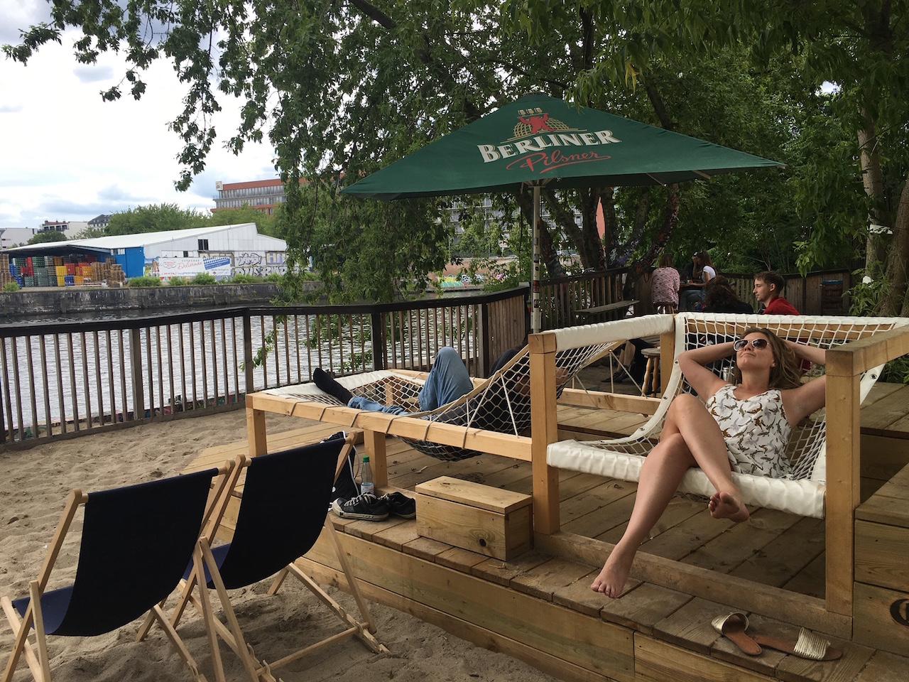 Relax na praia em Berlim - Yaam