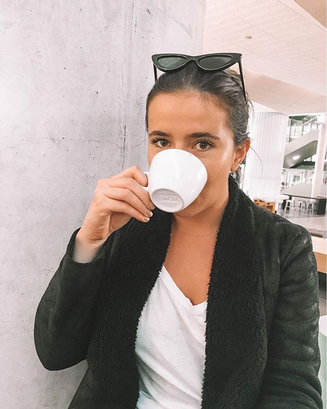 Faking my through the weekend with @edeneyelashes and bottomless coconut flat whites ☕️ #Wellingtonians, make sure you get your lash fix from the best x