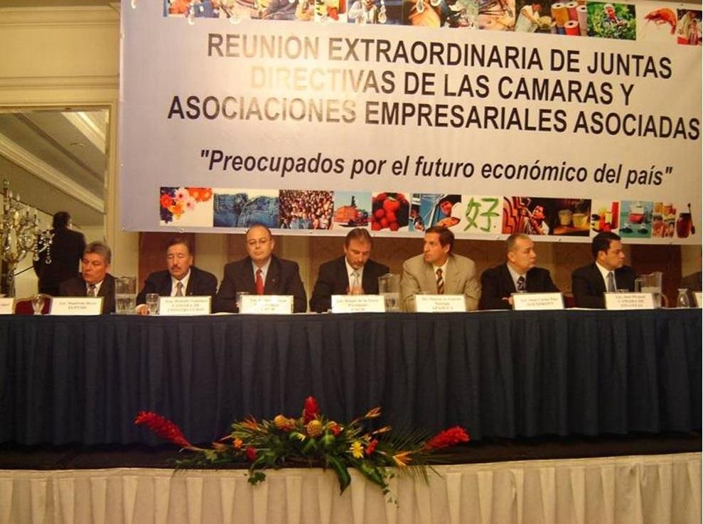 Asamblea Extraordinaria de Juntas Directivas de las Entidades Afiliadas al CACIF, donde se solicitó al Congreso de la República de Guatemala la aprobación del Tratado de Libre Comercio con Estados Unidos..jpg