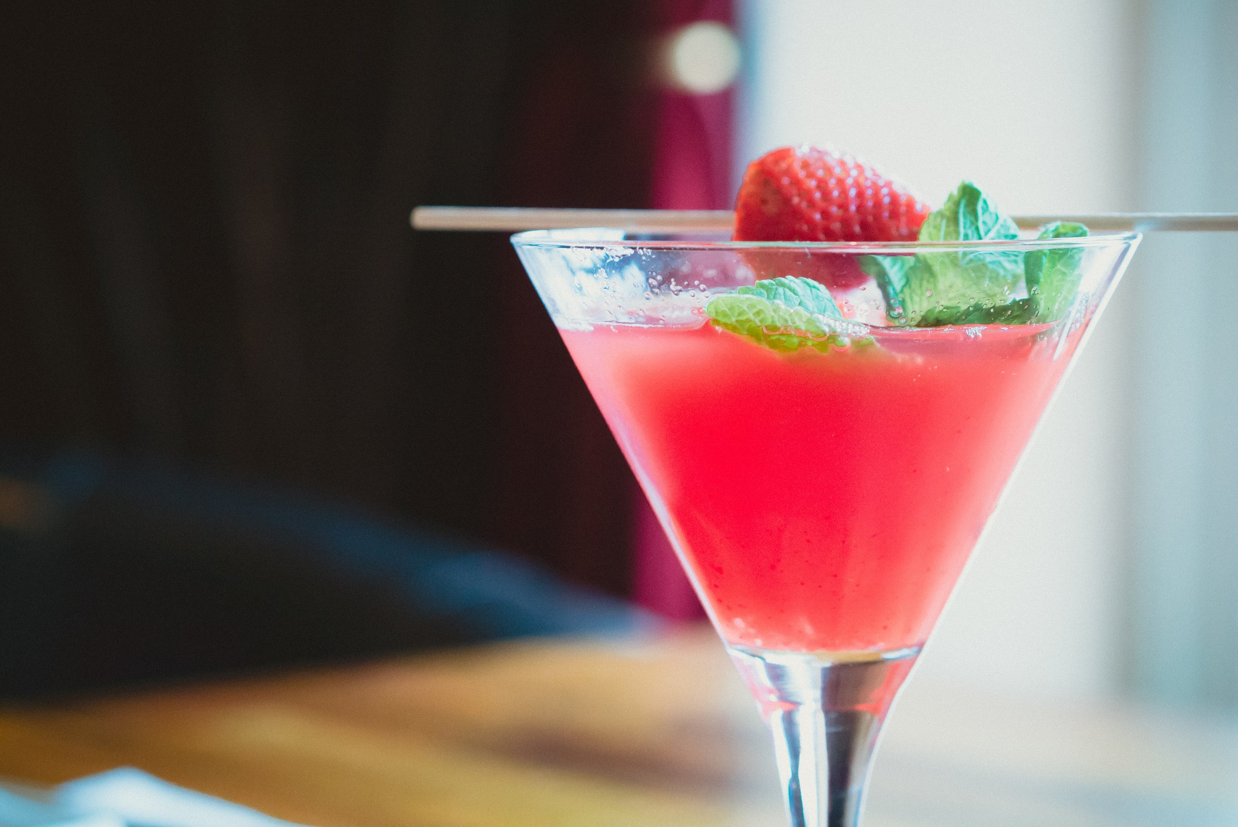 COCKTAIL MENU - LEARN MORE >