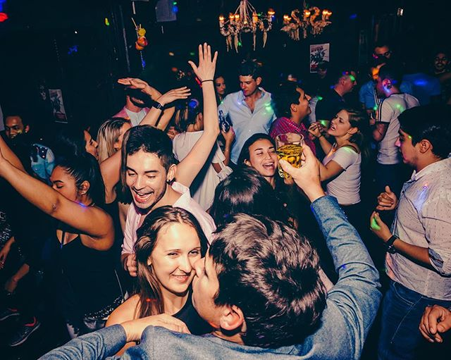 This is Mendoza! 🔥 Tonight: Mendoza's Social Club 🔥 💃🕺 Salsa, Reggaeton, Merengue, Bachata and Latin hits all night long! 💃🕺 • • • •#LatinParty #Tequila #Melb #Melbourne #MelbourneCBD #MelbMoment #MelbourneCocktail #MelbourneToDo #Melbs #Drinks #Bar #mixology #Instagood #Instamelbourne #iGersMelbourne #iGMelbourne  #MelbourneBlogger #VisitMelbourne #Melbournefood #MelbourneLife #MelbourneCity #MelbourneEats #MelbourneFoodie #MelbourneMade #MelbourneStyle #iLoveMelbourne #MelbourneiLoveYou #MelbourneBars #MelbourneLife #MelbourneLatin