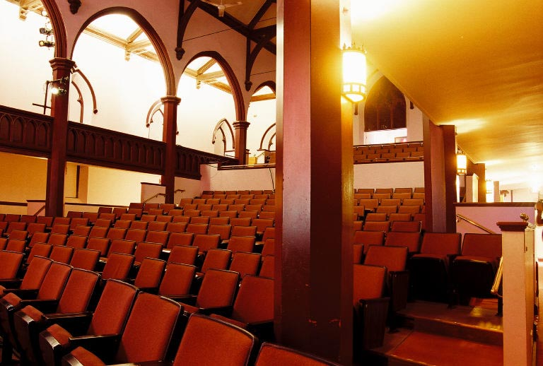 Activities in Bath - Chocolate Church Arts Center $25.00&up PPAttend a Play in one of Bath's oldest buildingsThe Chocolate Church Arts Center is mid coast Maine's regional performing and visual arts center. For more than 30 years the Chocolate Church Arts Center has been offering a rich program of live music, gallery exhibitions, theatre for young artists, lectures and workshops.Play TBABeech Hill PreserveThe Beech Hill Preserve offers ready access to one of the most scenic and multi-faceted conservation properties in the western Penobscot Bay region.As the only bald hilltop in the area, Beech Hill is an extraordinary hiking, picnicking and birding destination that offers panoramic views of Penobscot Bay, the Camden hills and the St. George peninsula. The Preserve has the honor of being one of the official stops on the Maine Birding Trail, with over 125 species on its checklist. The conservation program of this Preserve protects nearly 300 acres of land managed for grassland bird habitat, organic blueberry production, and scenic and historic preservation values.