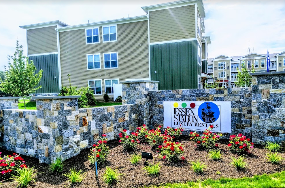 ESSEX STATION - 27 PLAINS ROAD, ESSEX, CT-NEW TOWNHOUSE DEVELOPMENThttp://essexstationapt.com/