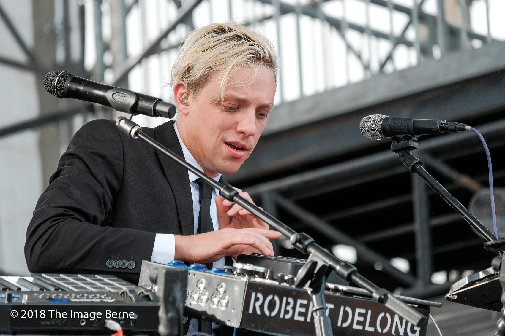 Robert Delong-156.jpg