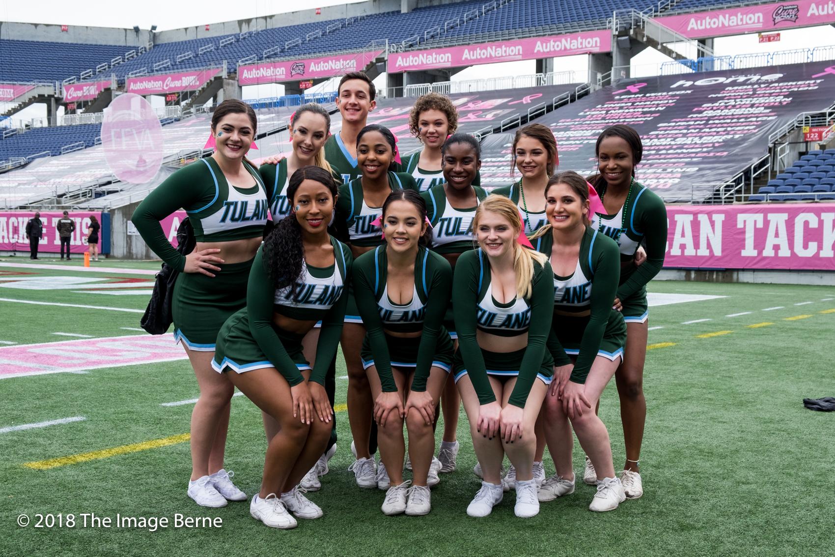 Cheerleaders-001.jpg