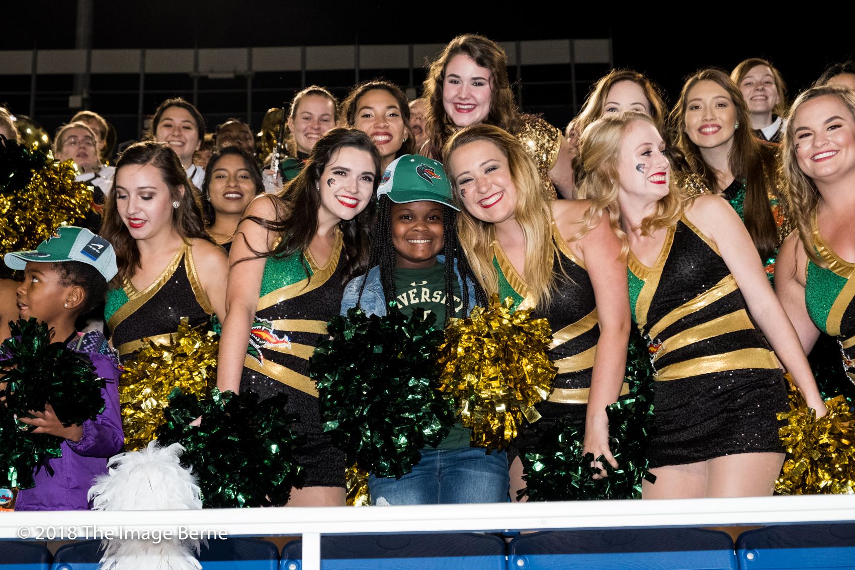 Cheerleaders-53.jpg