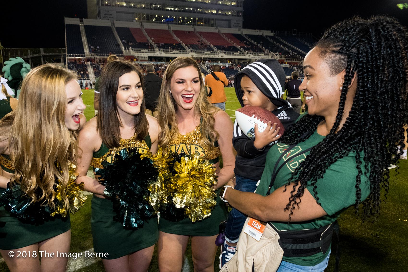 Cheerleaders-57.jpg