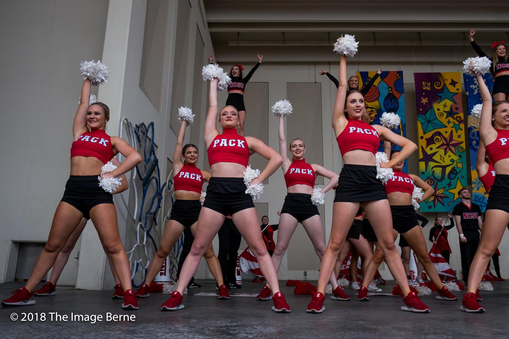 Cheerleaders-003.jpg