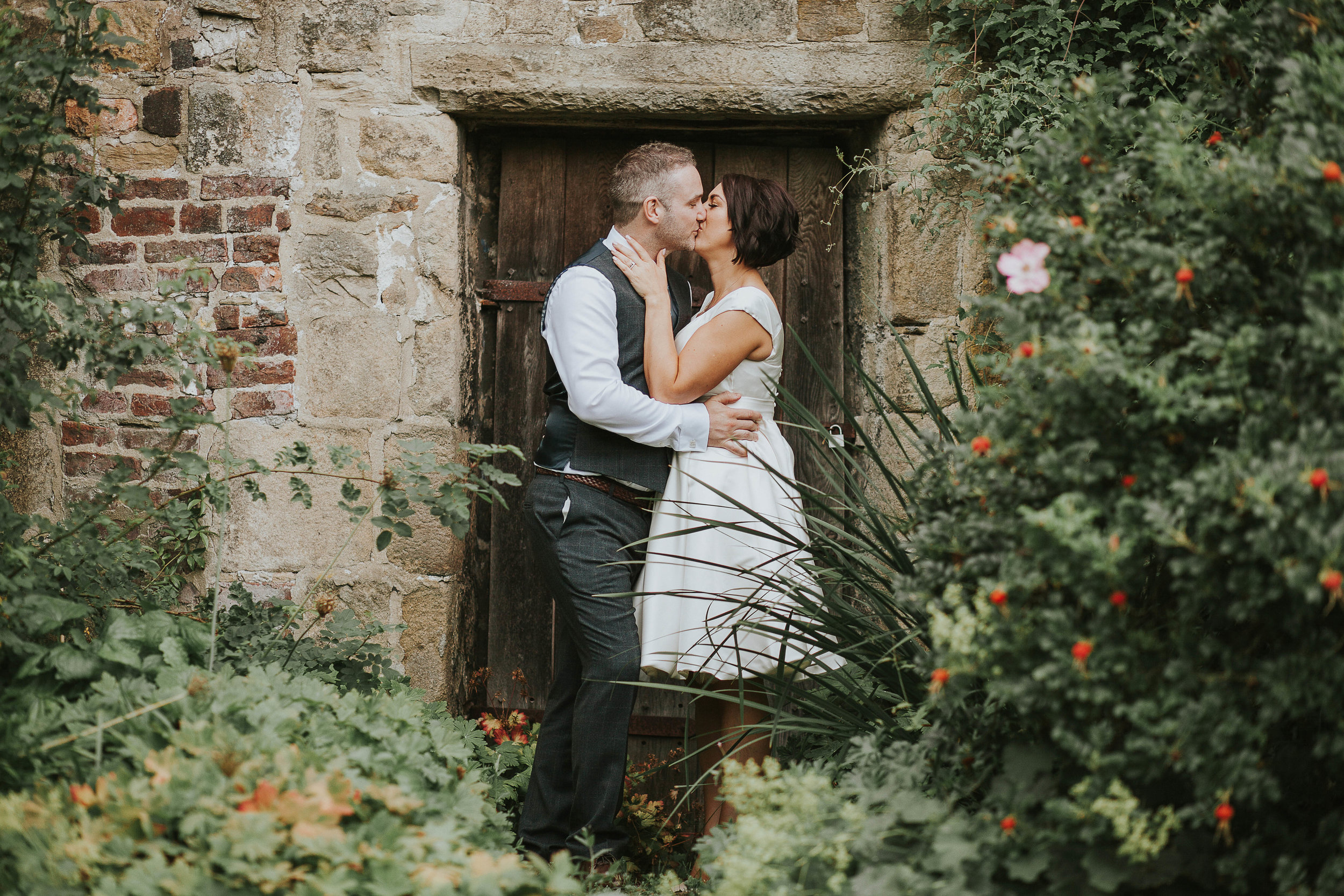 East Riddlesden Hall Wedding Photography (55).jpg