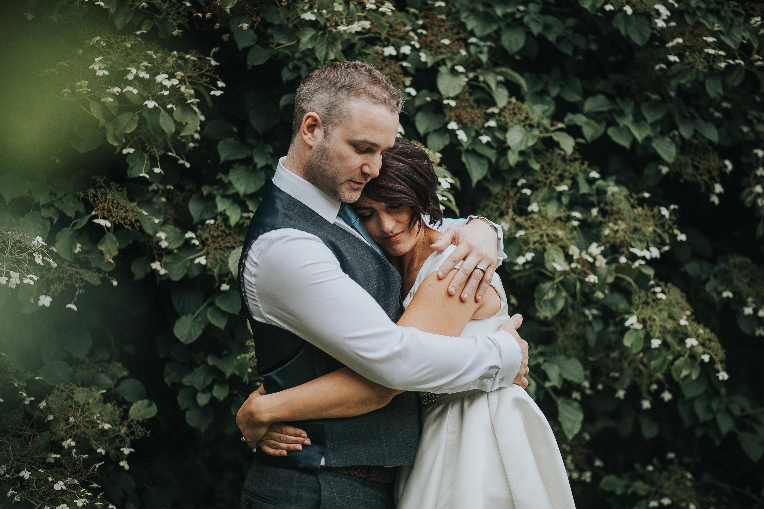 East Riddlesden Hall Wedding Photography (59).jpg