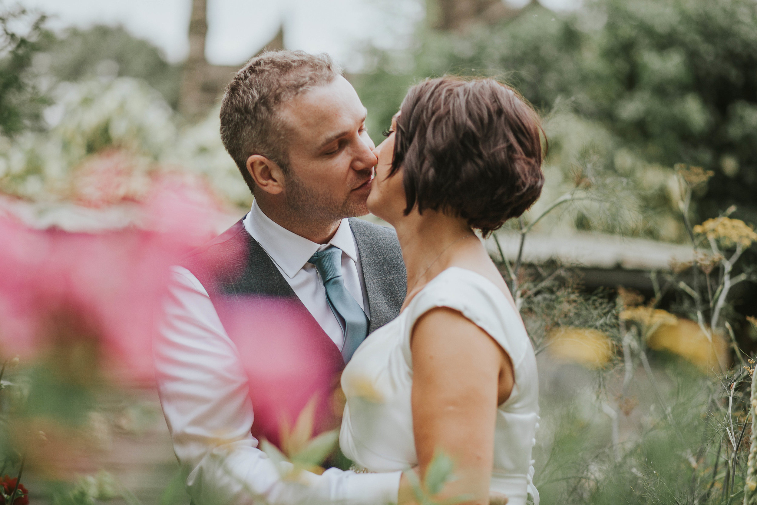 East Riddlesden Hall Wedding Photography (62).jpg